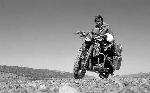 Ted Simon en moto
